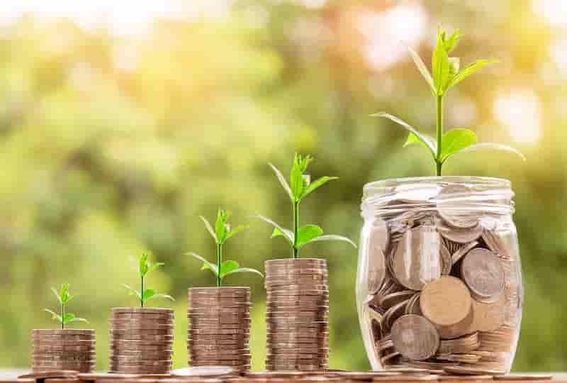 ahorros y crecimiento