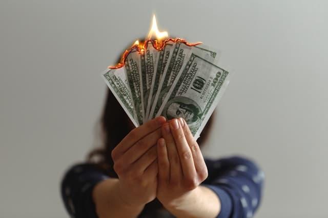 dolares se queman